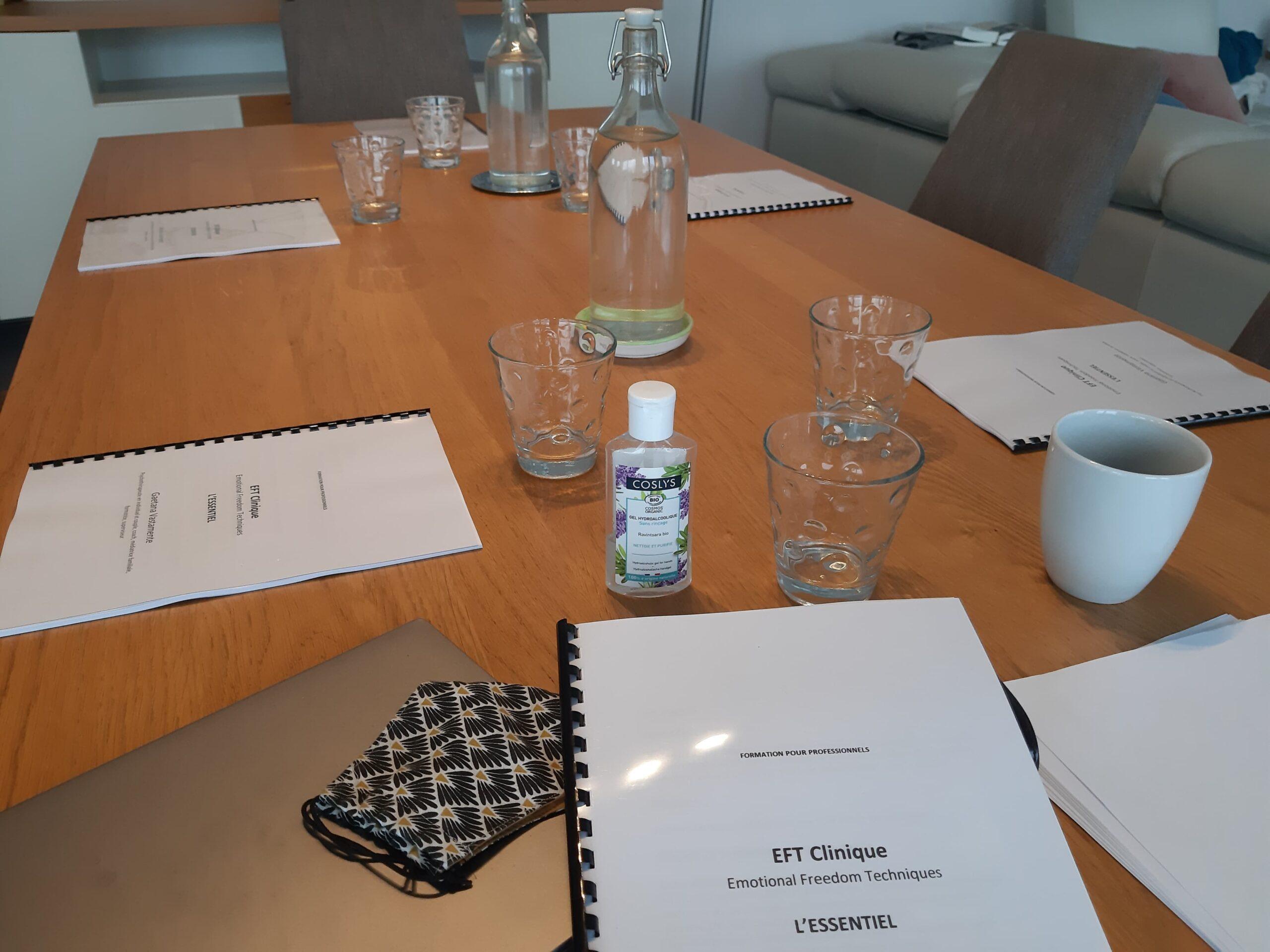 Table avec syllabi pour formation EFT certifiante